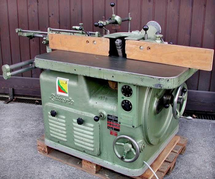 BÄUERLE Schwenkspindel-Fräsmaschine m. Vorschub Mod. SFM/2