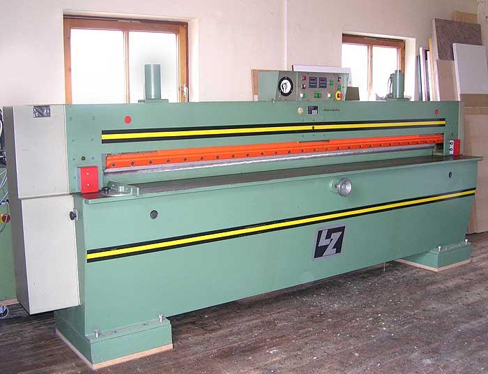 LANGZAUNER Furnierpaket Schneidemaschine Mod. FPS Hydromatic 3100